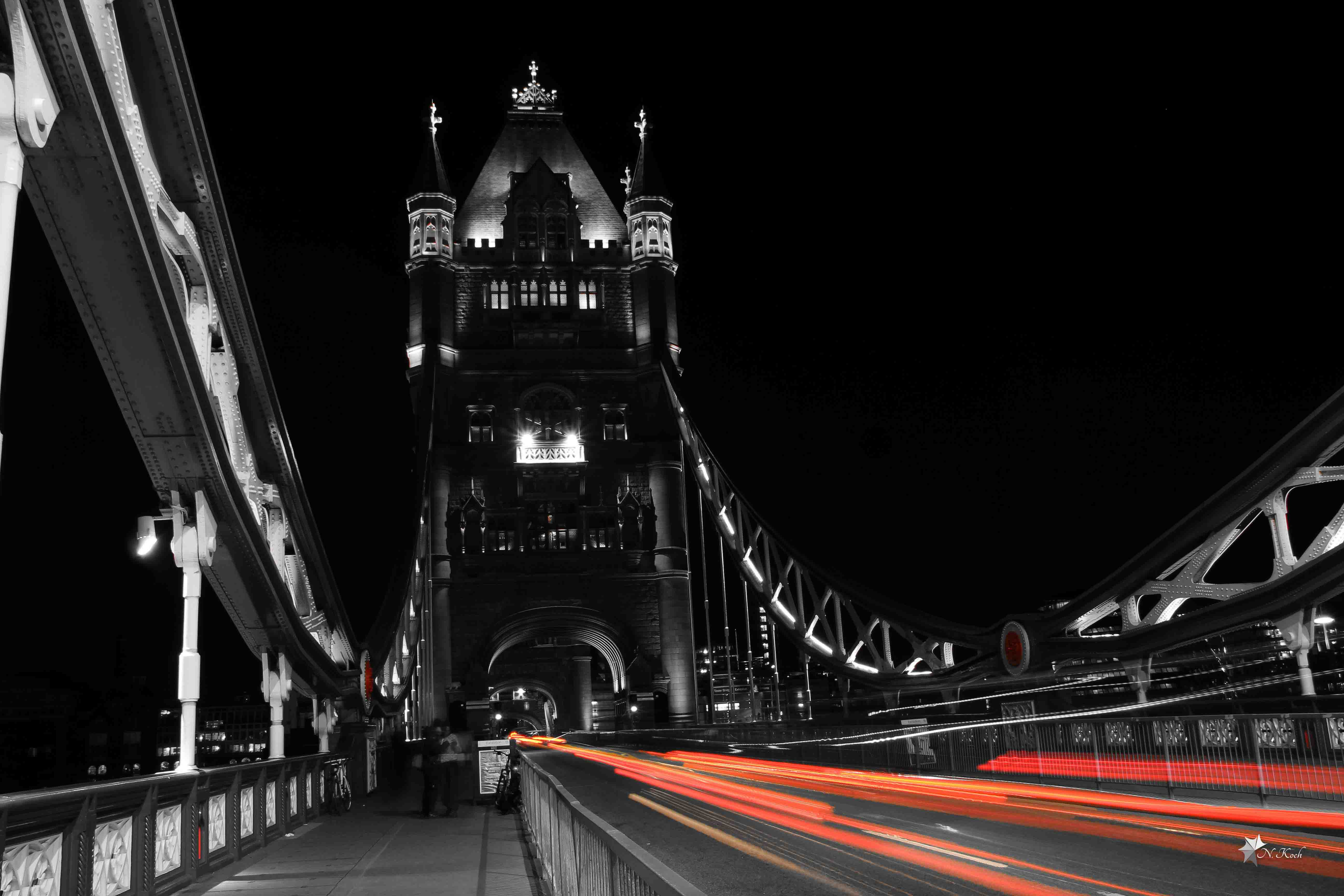 2014, London | Tower Bridge in the night